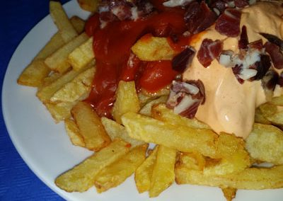 patatas_bravas_taquitos_jamon